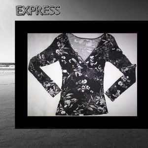 Beautiful Women's Top Express Sz S